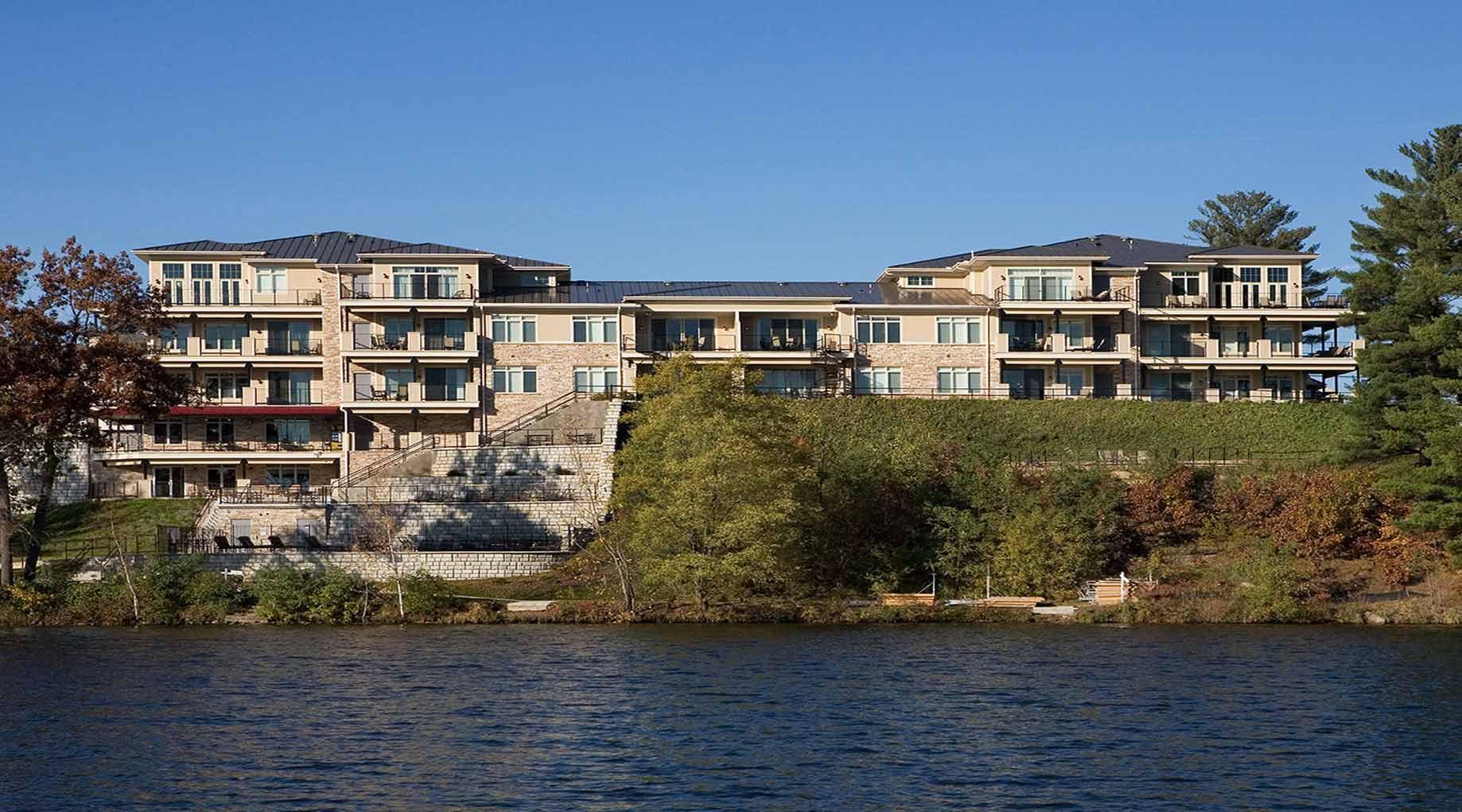 lake delton big and beautiful singles Single rooms and suites 2 bedroom suites 3-5 bedroom suites & villas lakeside villas all kalahari resort property situated on beautiful lake delton at 45.